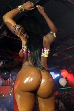 Fantastic ebony party dancer