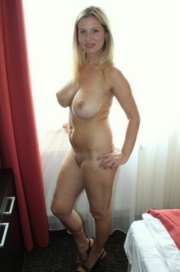 Lovely blonde mother in hot homemade..