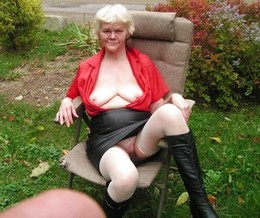 Old whore shows pussy and boobs