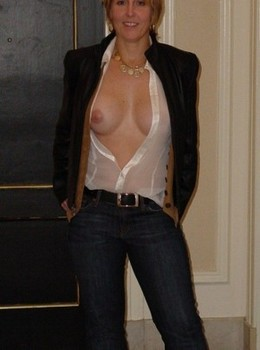 Gorgeous mature in amazing amateur..
